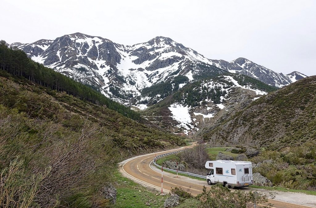 The Advantages of Selling Your Home and Moving Into an RV